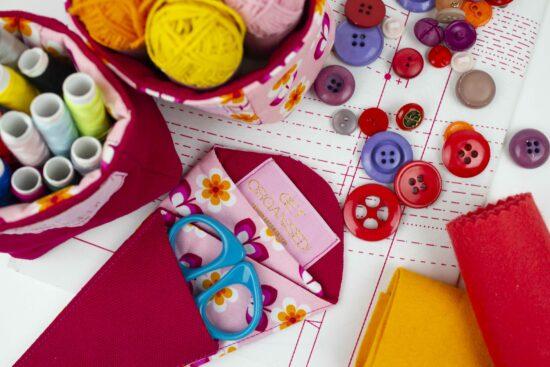 outils de couture bien rangé